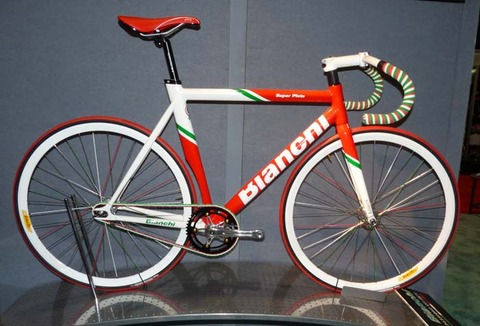 2012-Bianchi-Super-Pista-Italy-150th-anniversary-bike01