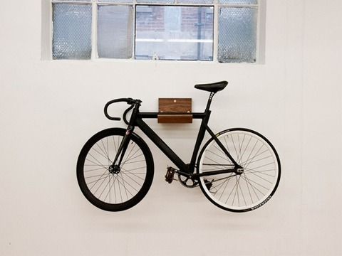 make-wall-mounted-bike-rack-and-shelf-by-consult-6-580x435