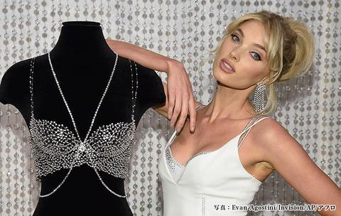【モデル】エルザ・ホスクさん、1億円のブラを着けて『ヴィクシーショー』に登場