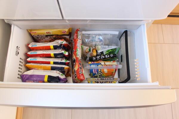 20200414_3_まとめ買い後の冷蔵庫収納_冷凍室