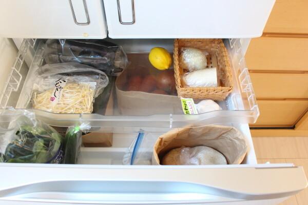 20200414_2_まとめ買い後の冷蔵庫収納_野菜室
