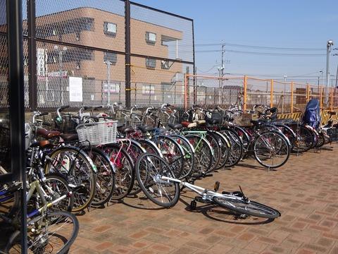 北国分駅前の自転車