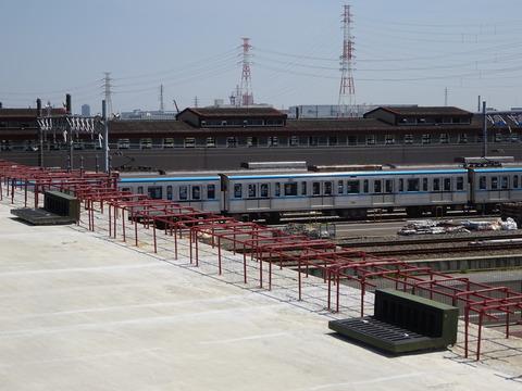 妙典橋から見た東京メトロ車両基地