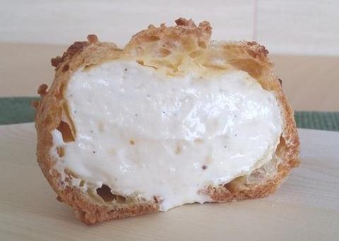 ジャンポールチェボーのシュークリーム断面
