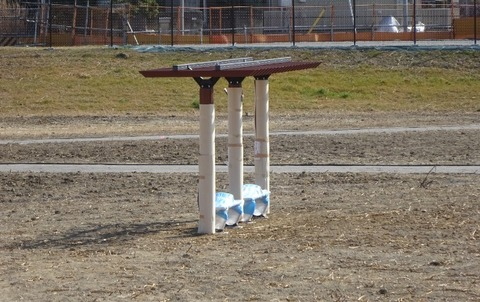 国分川調整池緑地の下池広場の椅子