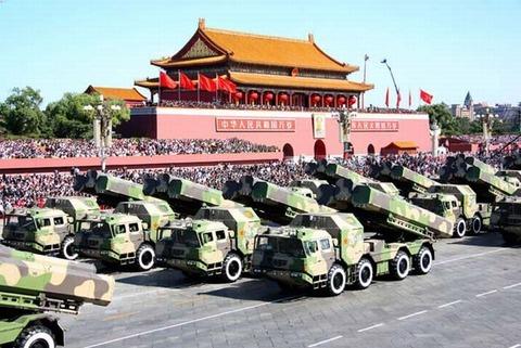 中国の軍事パレード、損失3800億円!
