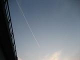 飛行機を目で追いました