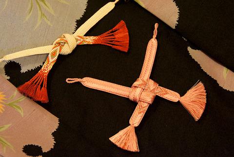 格好よく見せる羽織紐の結び方~着物大好きコミックエッセイスト ほしわにこ連載コラム「オトナの着物生活」
