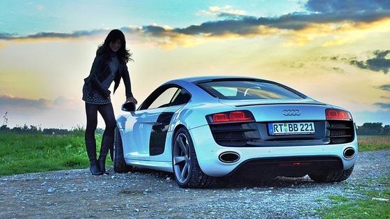 sports-car-801388_640