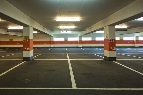 multi-storey-car-park-502960_640