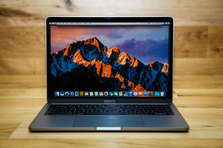 apple-macbook-pro-13-inch-2016-1765-026