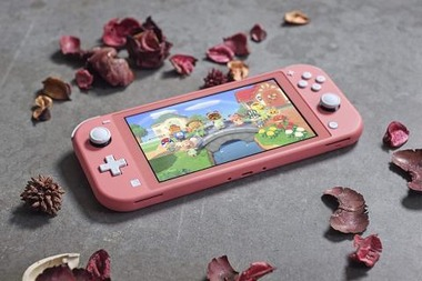 nintendo-switch-lite-color-coral-1891687