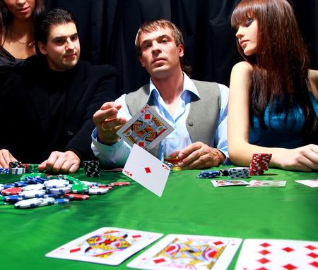 live-poker-2