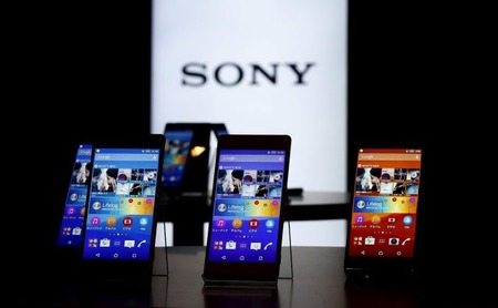 sony-xperia-smartphones-on-display-640x396