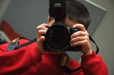 2006-04-11-boy-with-camera