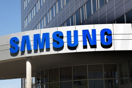 Samsung-logo-building-e1466158246249