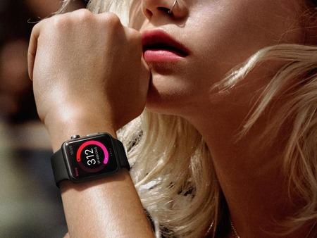 Apple-Watch-girl