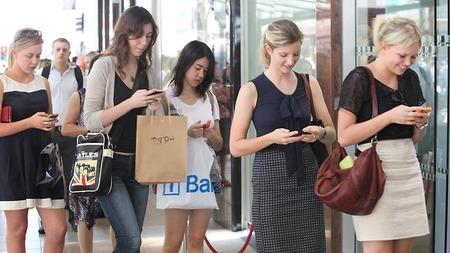 416274-smart-phones