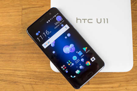 HTC-U11-Review-002-des