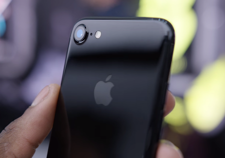 apple-iphone-7-jet-black