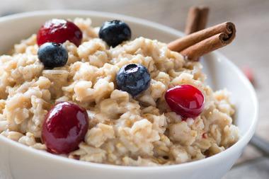 1800x1200_getty_rf_bowl_of_oatmeal