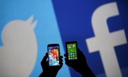 twitter-facebook-mobile-635