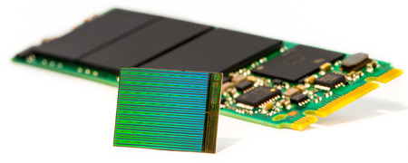 3D NAND Die with M2 SSD(1)
