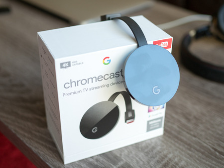 chromecast-ultra-with-box