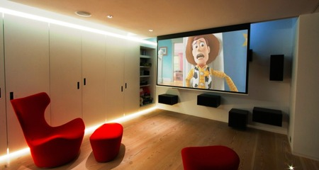 House-Cinema-Projector