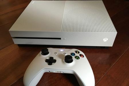 Xbox-One-S-3