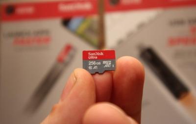 San-Disk-A1-MicroSD-Card-BestCloseup-1-640x404