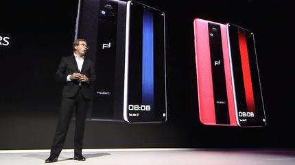 Apple「はいこれiPhone XS Maxのいいやつ164,800円ね」 Huawei「これポルシェデザインのMate 20 RSね」