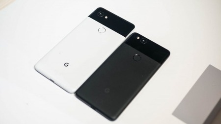 Google-Pixel-2-and-XL-3-796x448