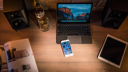 iphone7_review_adam_13_desk-100683677-large