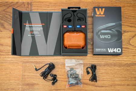 Westone_w40_contents
