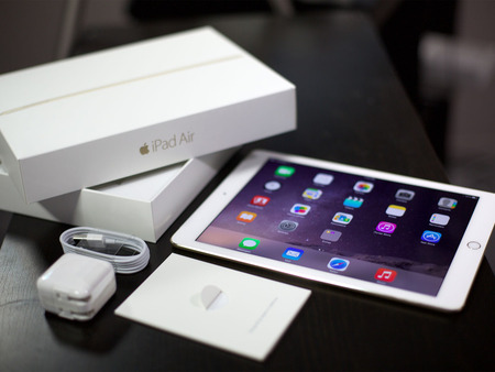 ipad_air_2_gold_unboxed