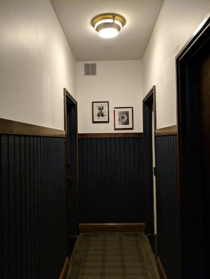 hallway-pixel-2-xl