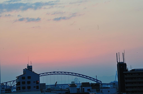 淡いピンクの空