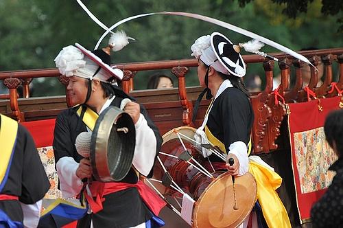 百済文化祭扶余国楽団ブンムルノリ隊 1
