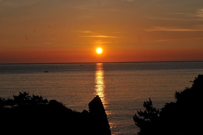 越前海岸に沈む夕日