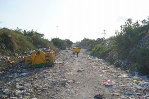 フィリピンセブ島段ビングサイト、ゴミ山
