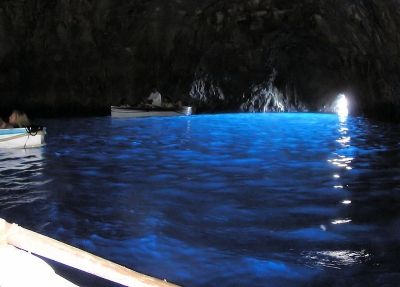 s-0529800px-Blue_grotto_in_capri_arp
