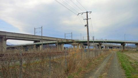 東北本線鹿の子と坂谷跨線橋
