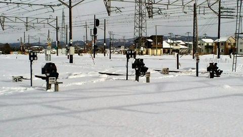 東北本線小牛田構内画像6入換信号機雪景色