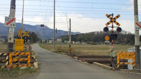東北本線坂谷踏切X2方向1