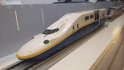 鉄博19−E1系Max新塗装色