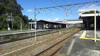 東北本線松島駅カーブホーム2