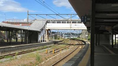 東北本線松島駅カーブホーム3