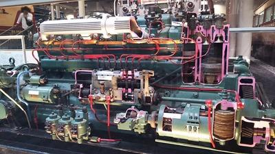 19-DD51エンジン内部1