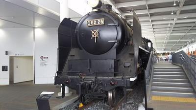 98-C62蒸気機関車正面1